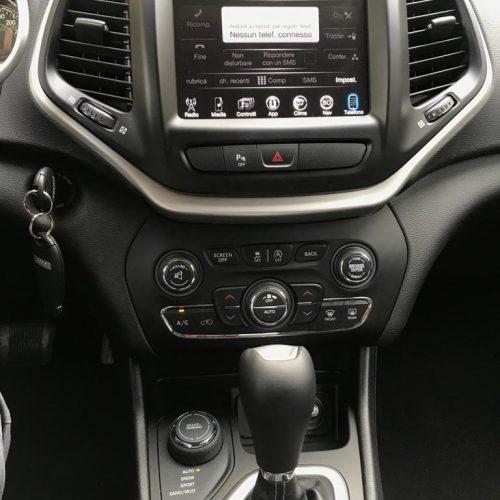 agenzia-oltre_noleggio-auto_IMG-20190923-WA0018
